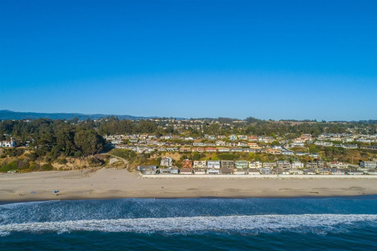Ultimate Beach home luxury in aptos luxury homes