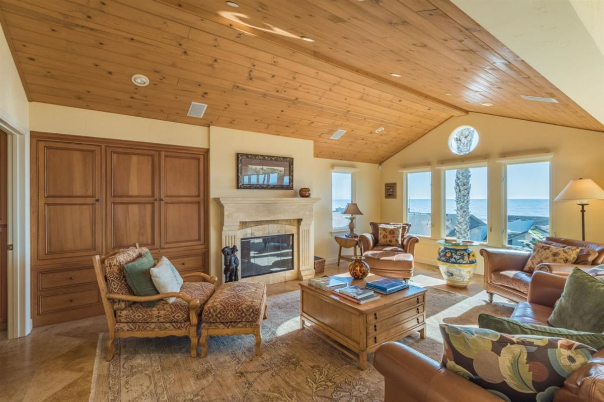 Mansions Ultimate Beach home luxury in aptos