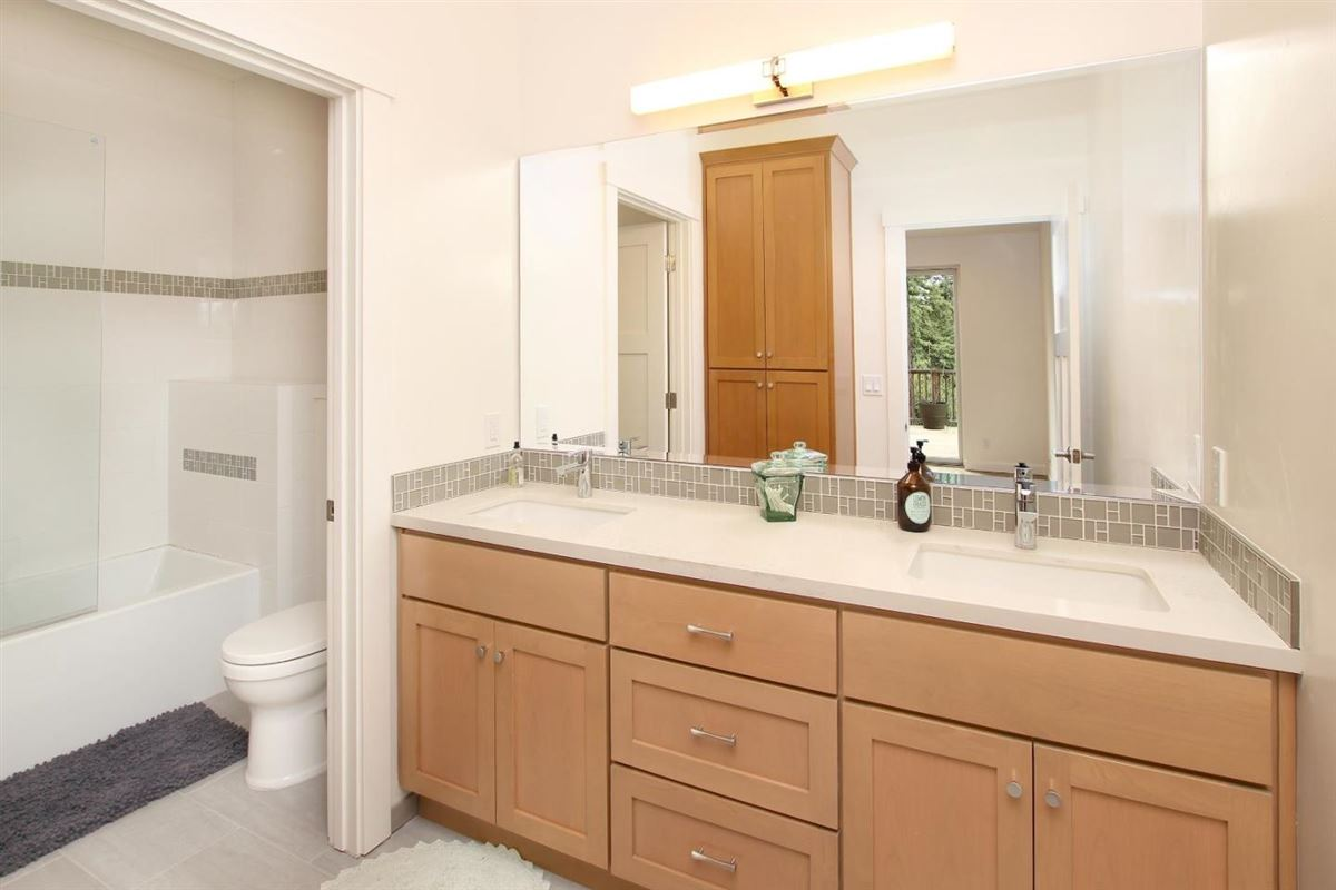 Top quality construction luxury real estate