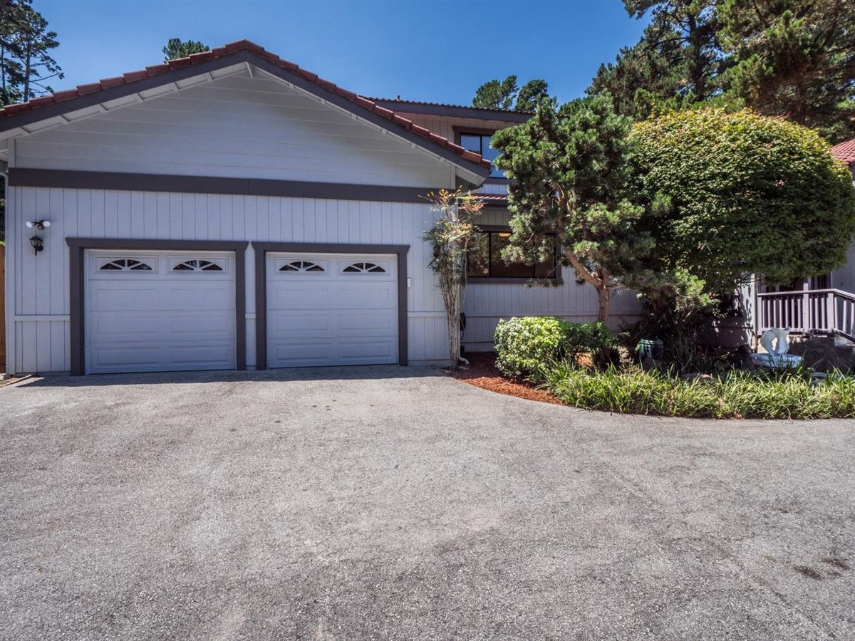 Luxury properties home on a large sunny lot