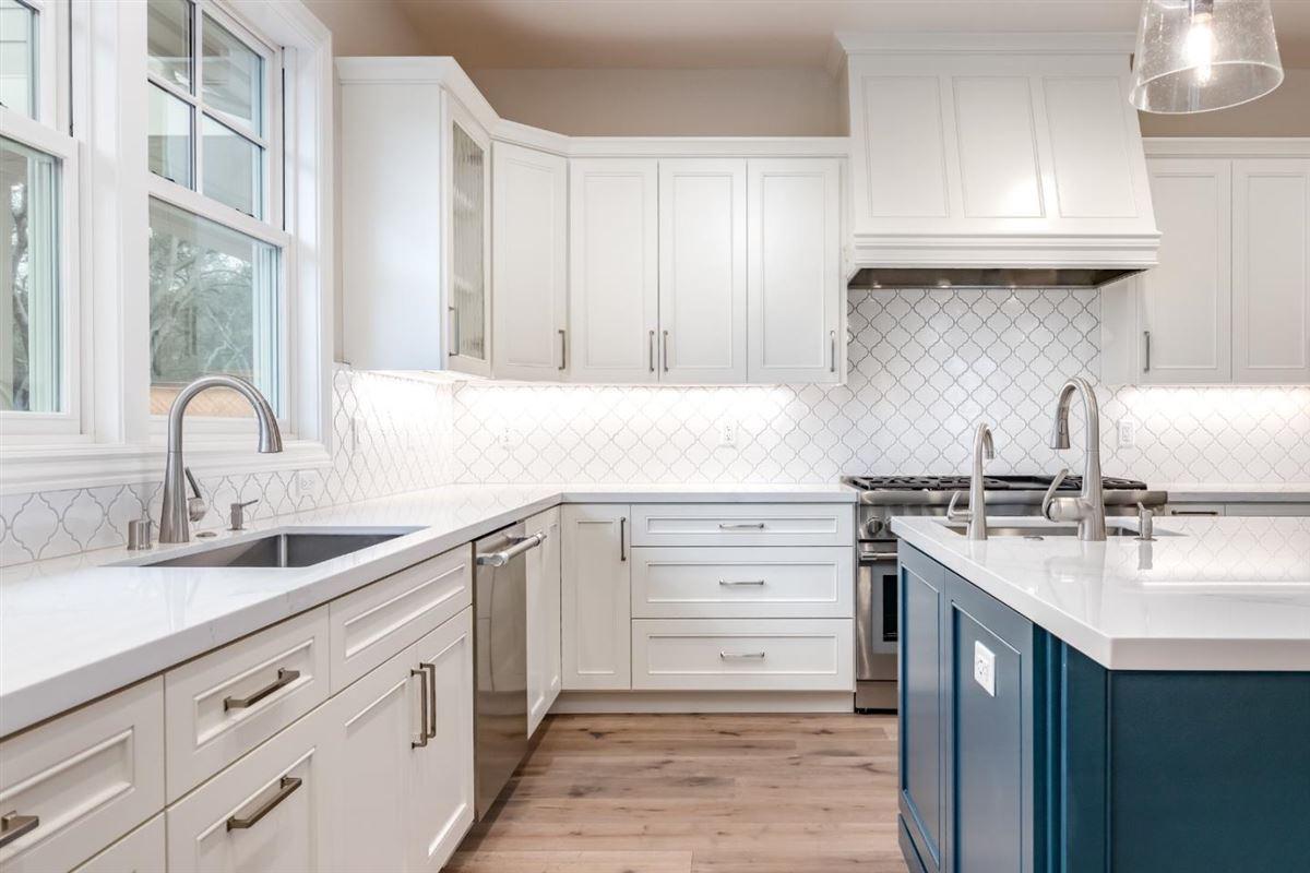 new custom home in Benson Avenue Subdivision luxury homes
