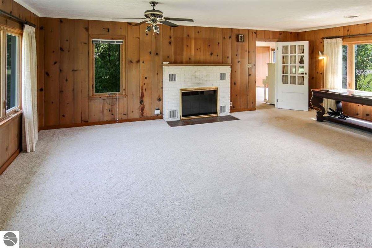 Luxury homes in beautiful estate-size parcel in Glen Arbor