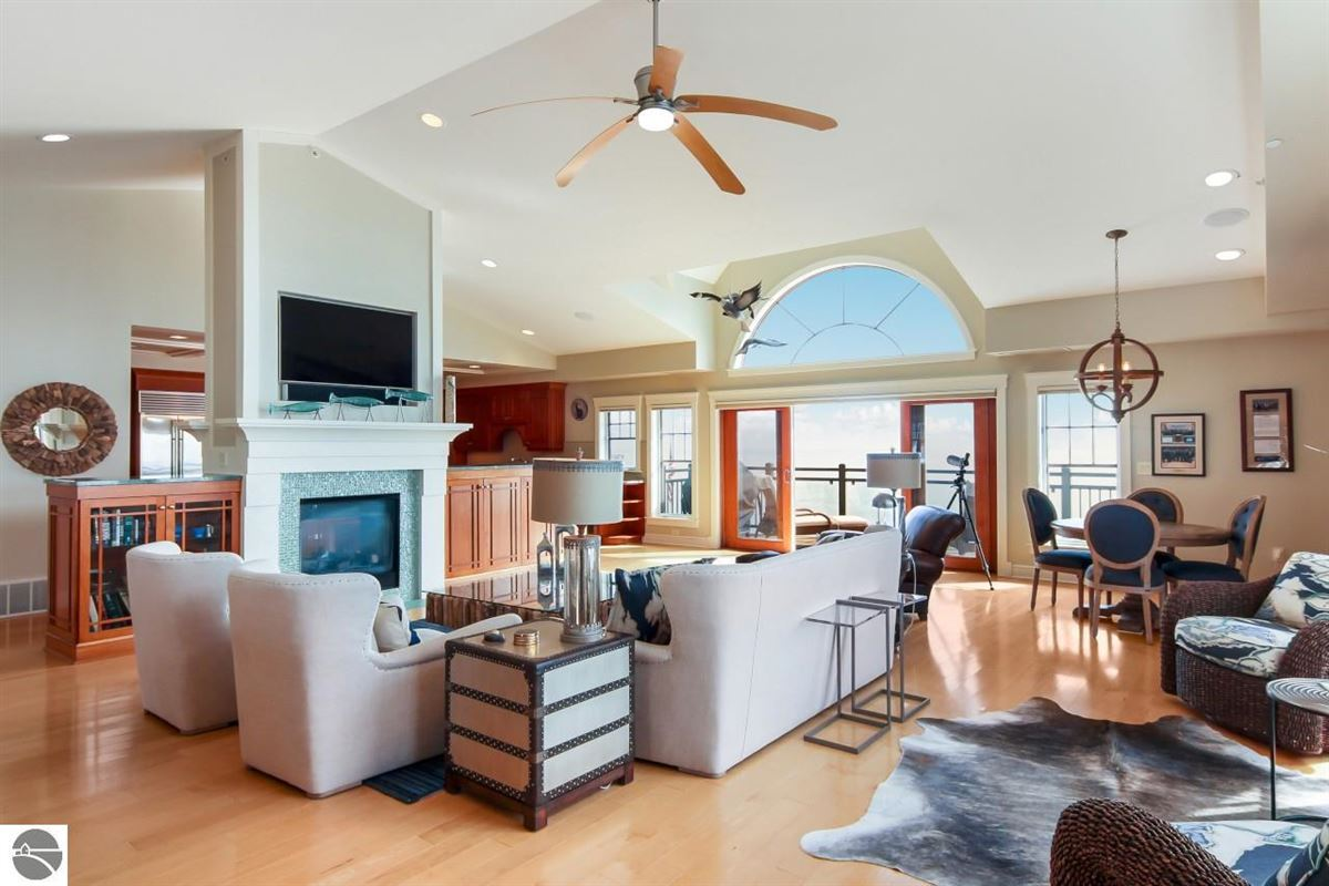 Luxury homes beautifully appointed waterfront penthouse condo