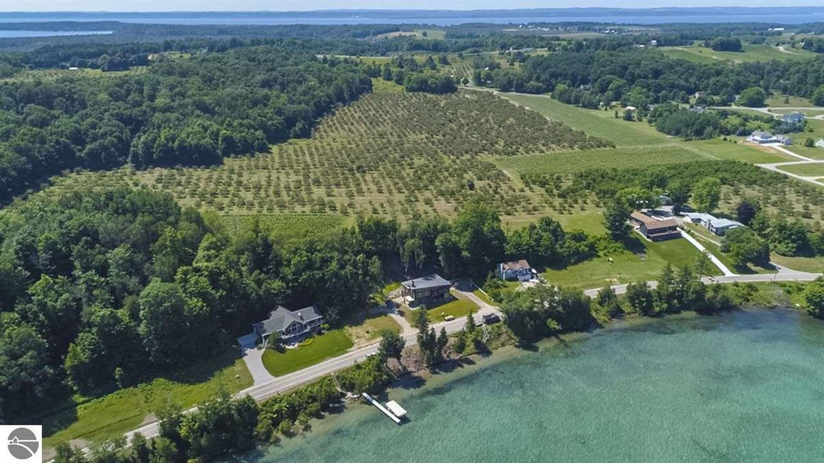 Luxury homes Paradise for Winery, Orchards and home