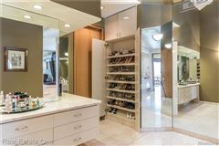 Luxurious custom home luxury homes