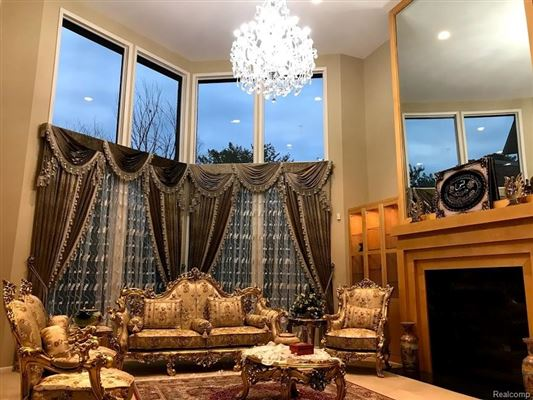 most exquisite house in Farmington Hills luxury real estate