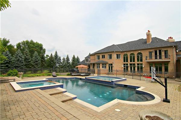Luxury real estate magnificent luxury estate in rochester