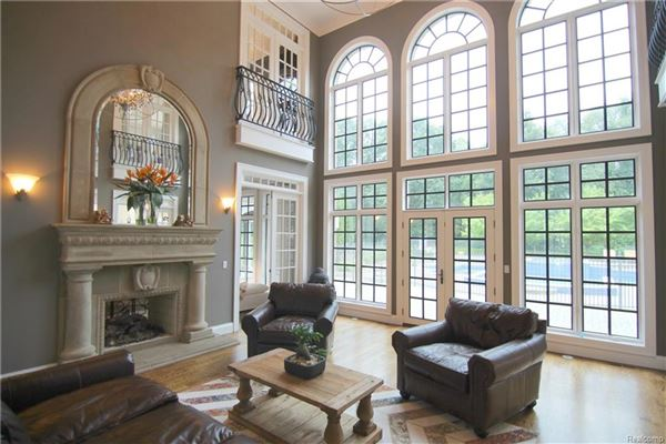 Mansions in magnificent luxury estate in rochester