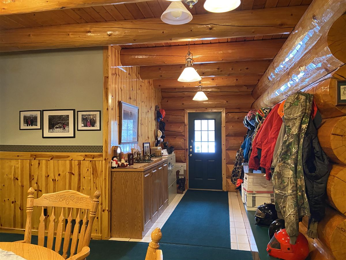 prestigious log home and 400 acres luxury real estate