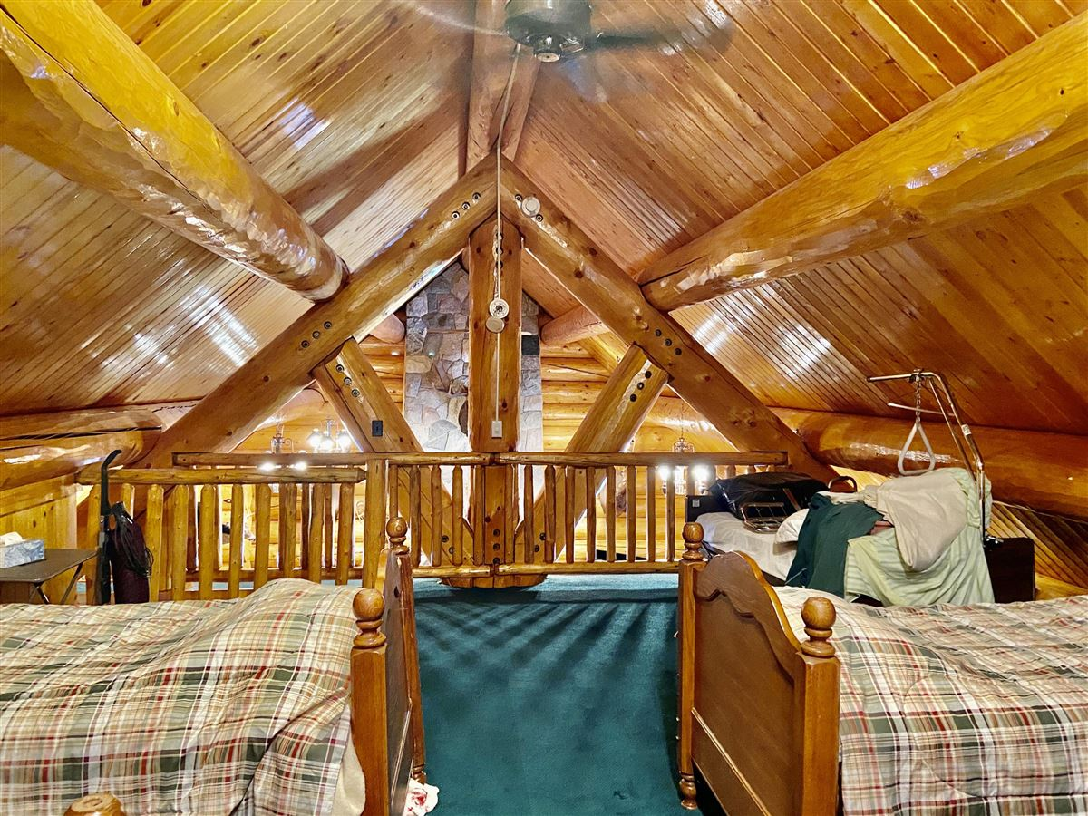 prestigious log home and 400 acres luxury real estate
