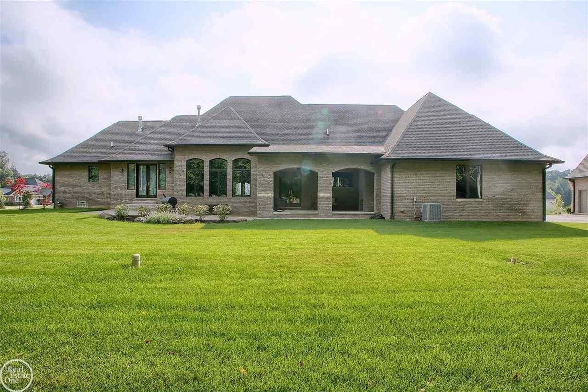ranch on over 2 private acres luxury homes