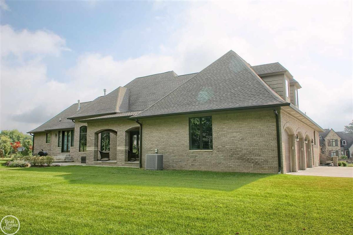 ranch on over 2 private acres luxury real estate
