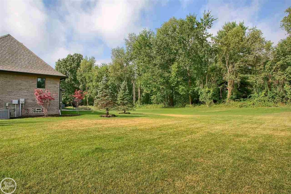 Mansions ranch on over 2 private acres