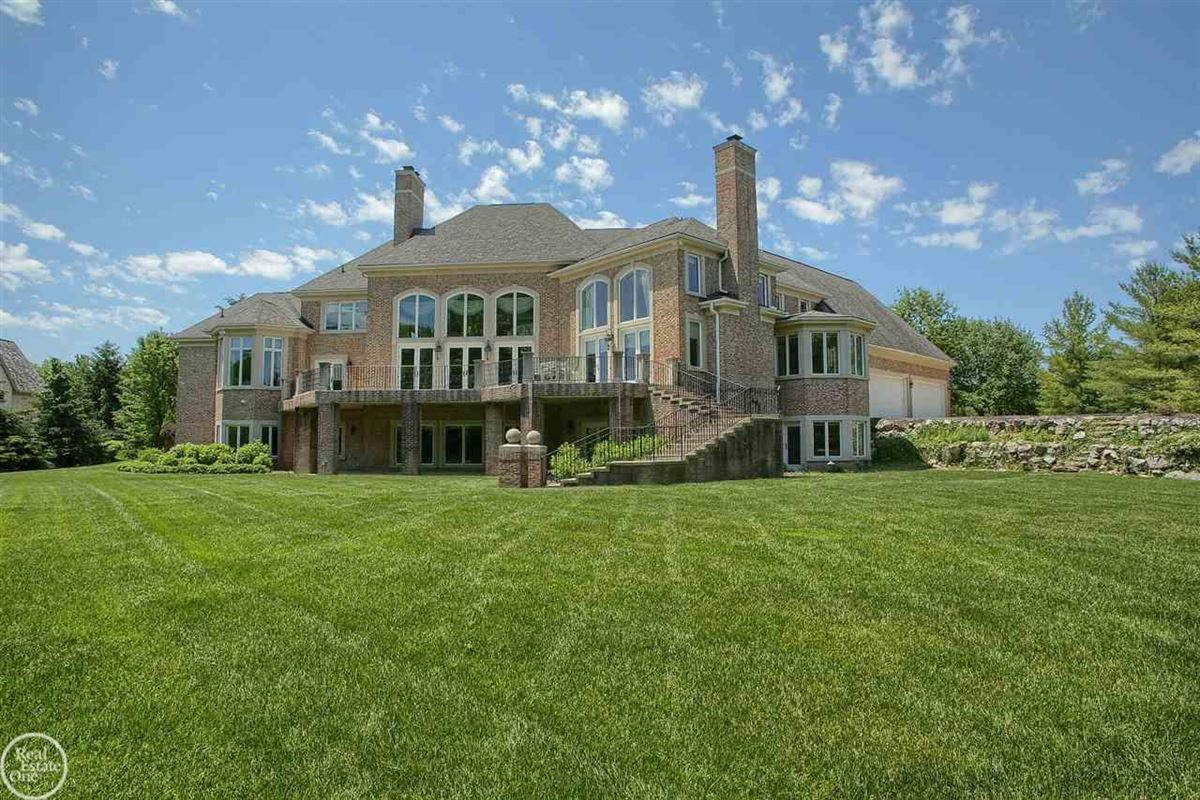 custom-built home in Orchard Ridge luxury homes