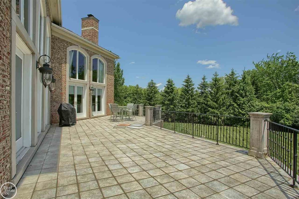 custom-built home in Orchard Ridge mansions