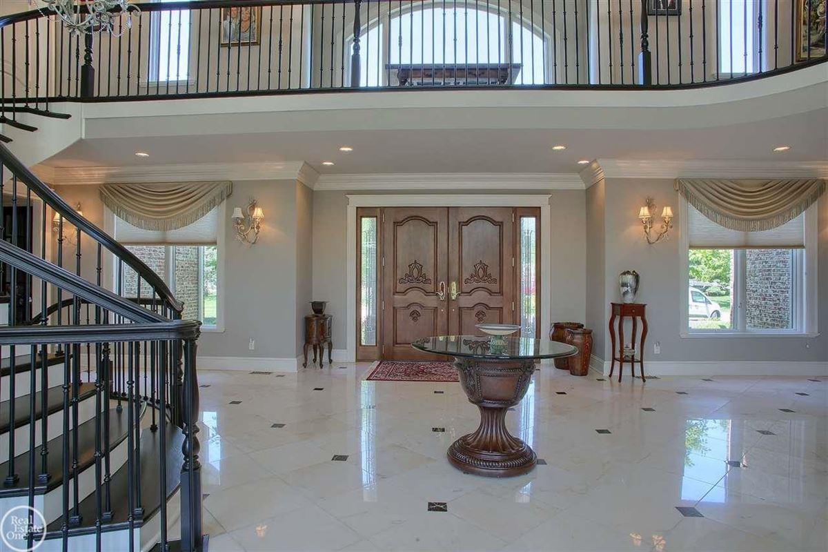 Mansions in custom-built home in Orchard Ridge