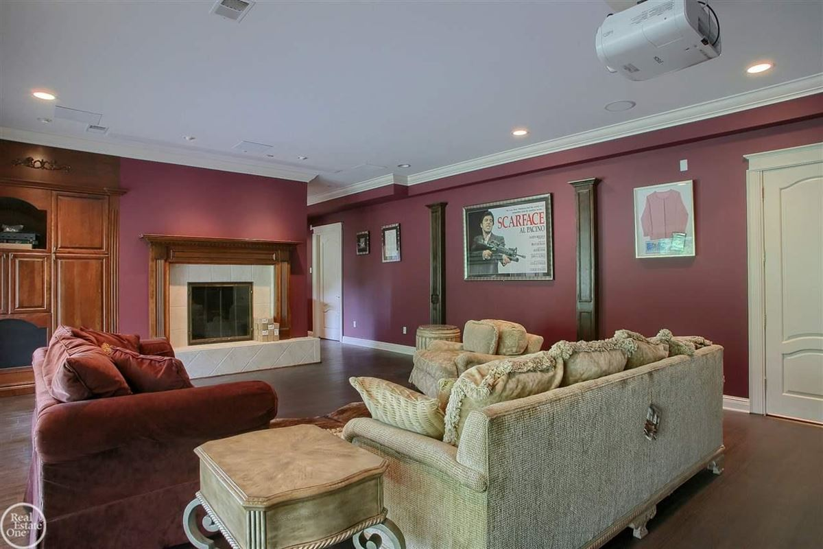 Mansions custom-built home in Orchard Ridge