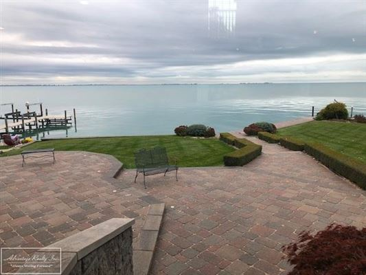 custom lakefront home with spectacular lake views luxury real estate