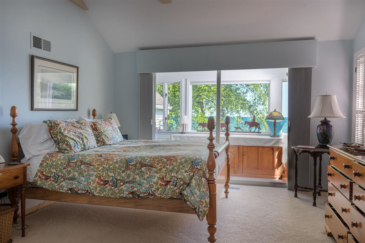 Luxury properties Northern Michigan lakefront home