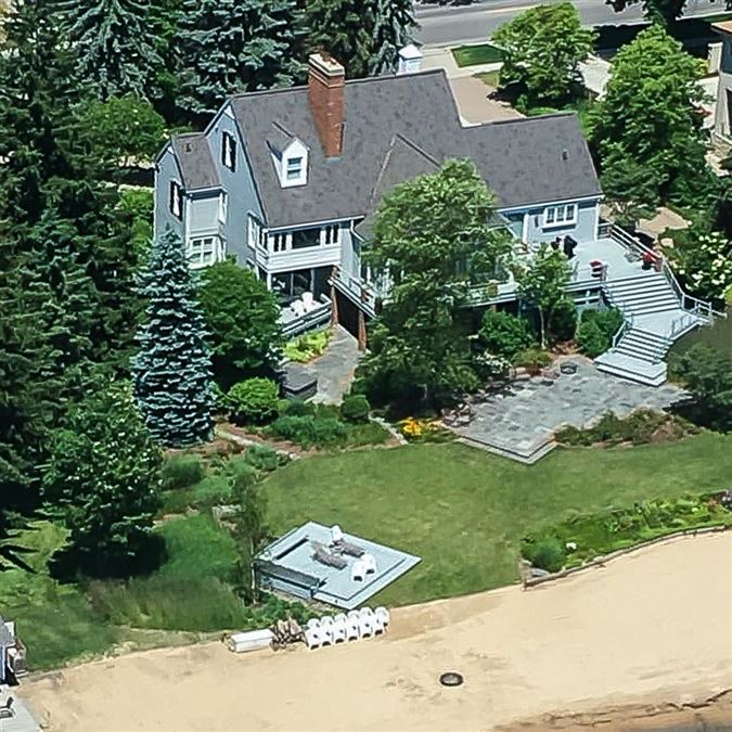 Northern Michigan lakefront home mansions