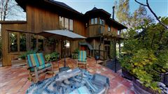 Mansions in 59 acre mountain retreat