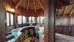 Luxury properties 59 acre mountain retreat