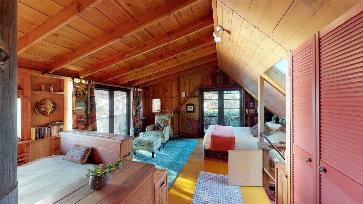 Luxury homes 59 acre mountain retreat