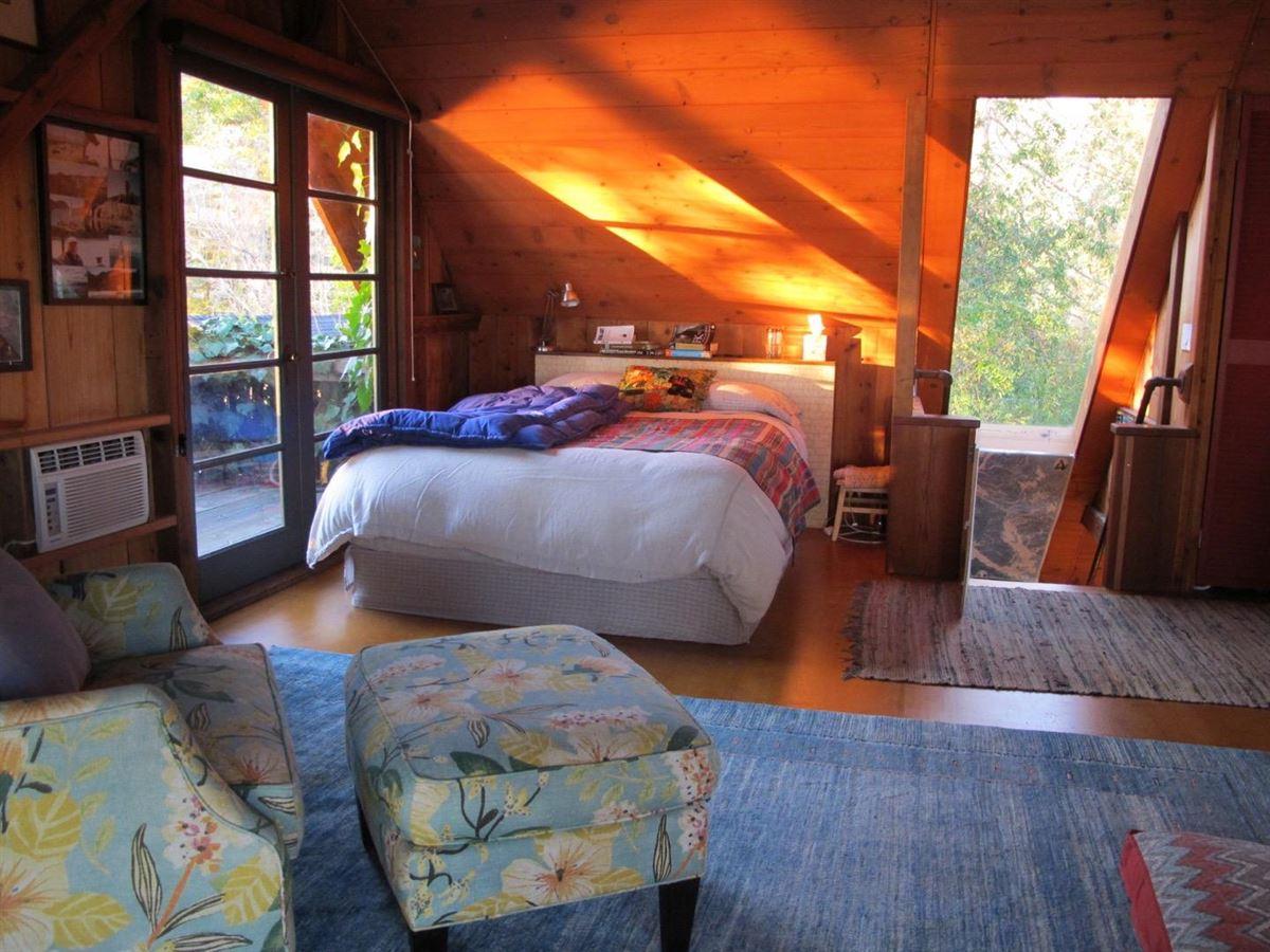 Luxury real estate 59 acre mountain retreat