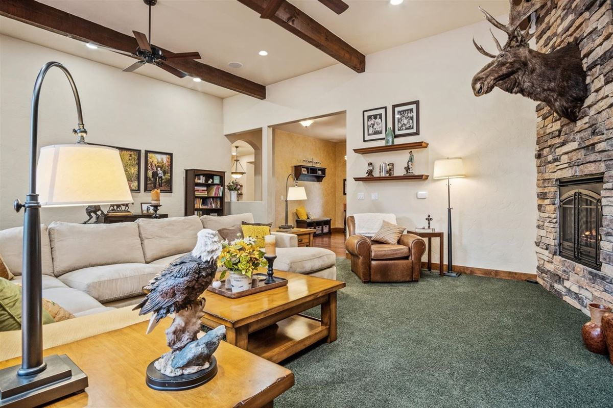 Mansions Incredible 124-acre equestrian estate