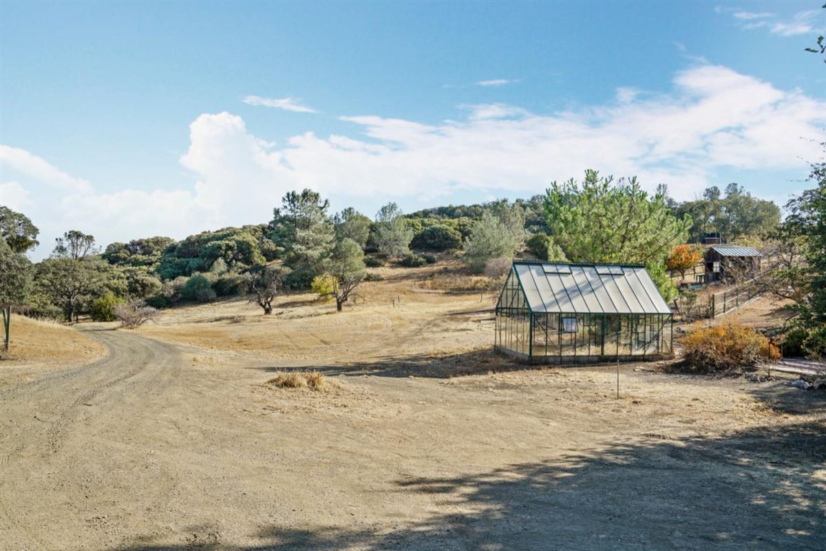 private and secluded 103 acre rural ranch luxury real estate