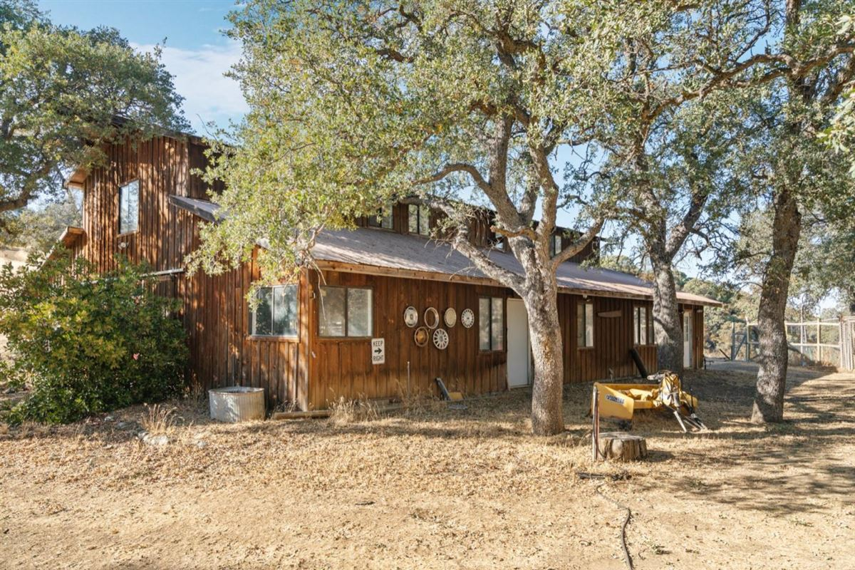 Luxury properties private and secluded 103 acre rural ranch