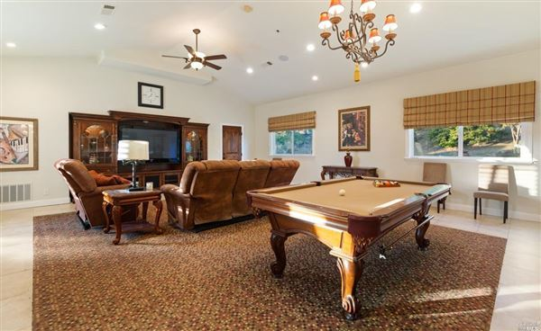 Luxury real estate amazing home in Solar Hills Estates