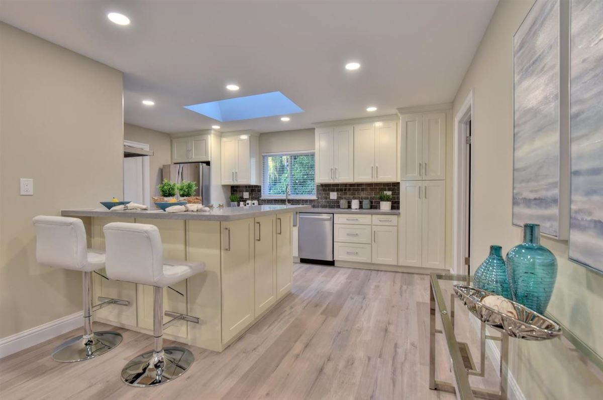 Luxury homes in beautifully remodeled from top to bottom