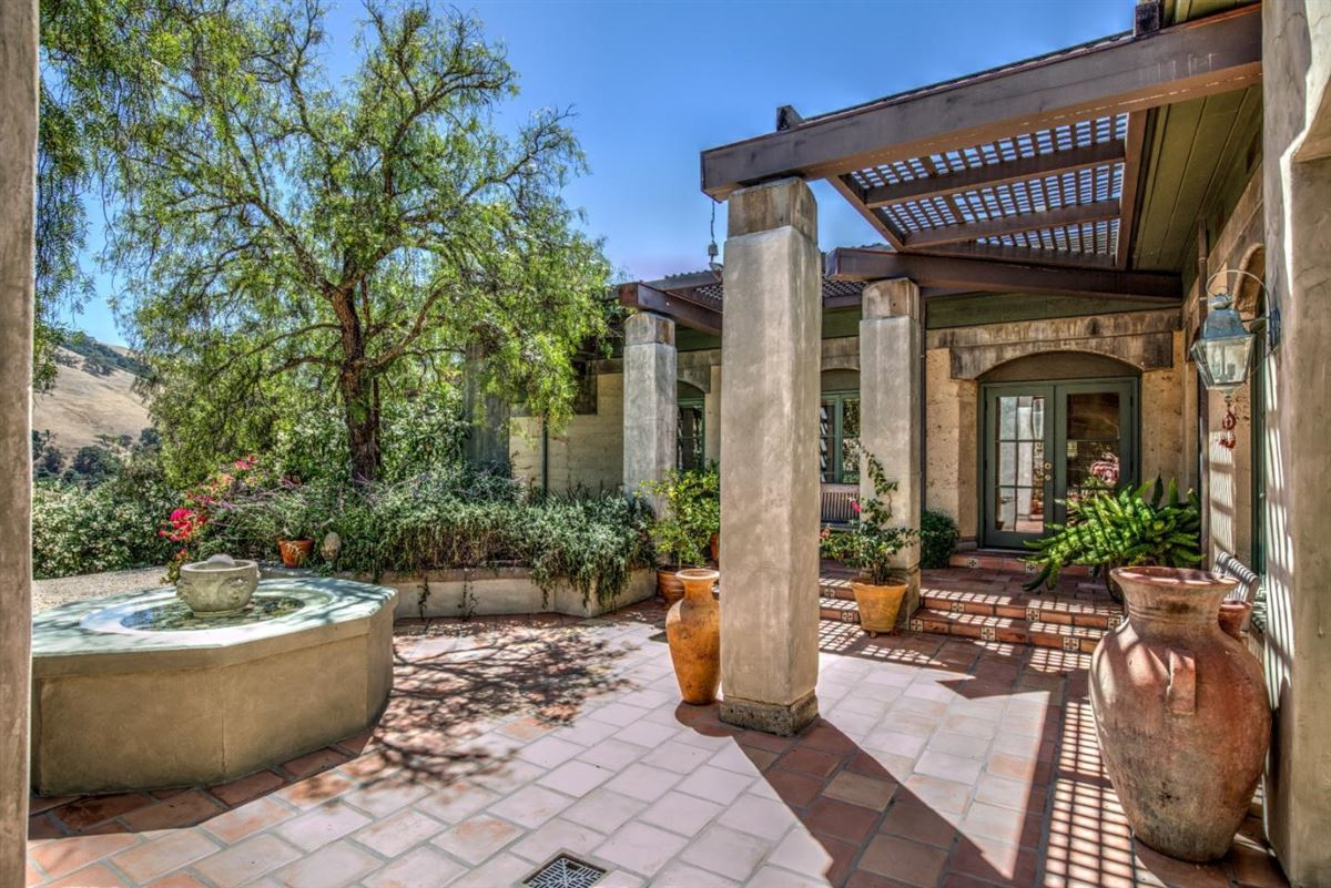 Welcome to Casa Tierra luxury homes