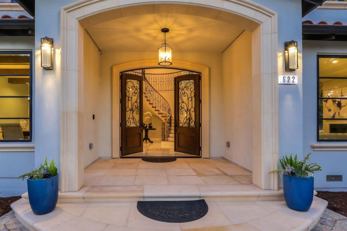 Luxury homes elegant new construction