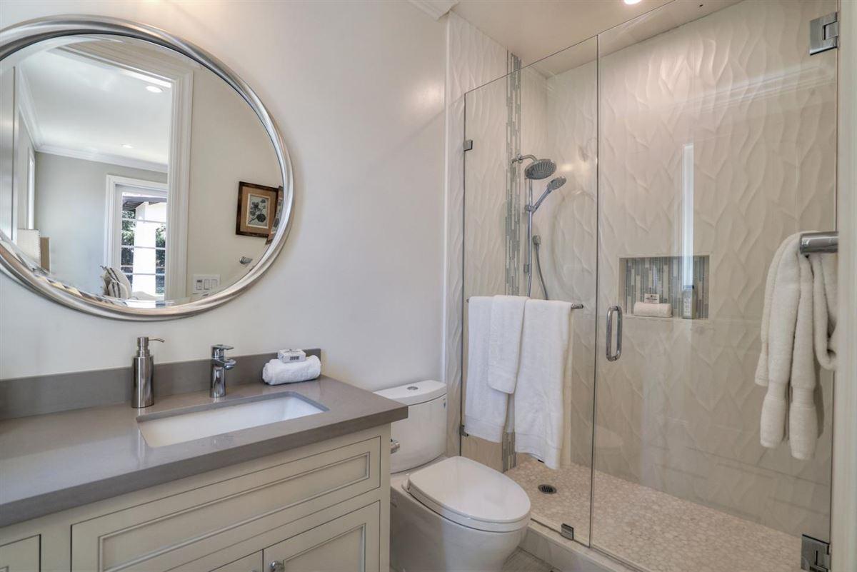 elegant new construction luxury real estate