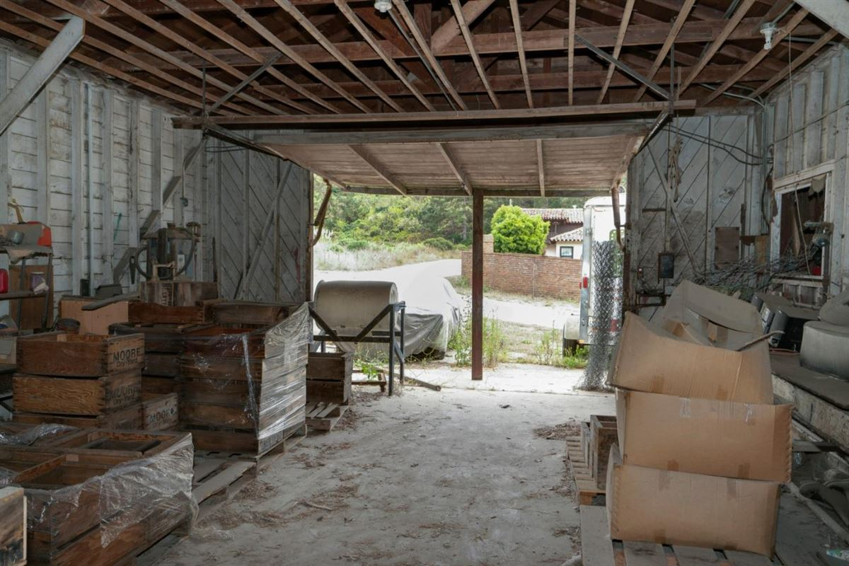 Luxury homes in 245 acre private estate
