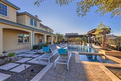 Mansions Luxurious vineyard estate