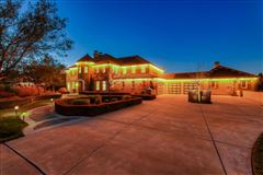 Luxurious vineyard estate mansions