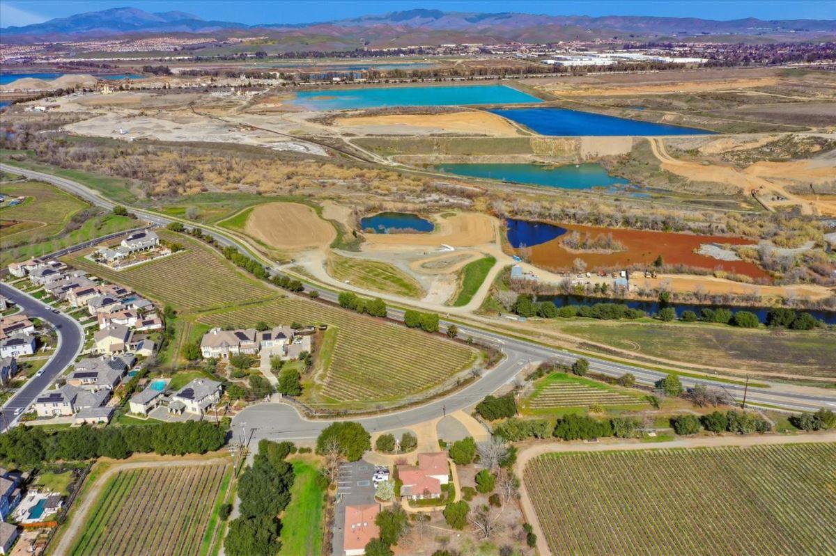 Luxury real estate Luxurious vineyard estate