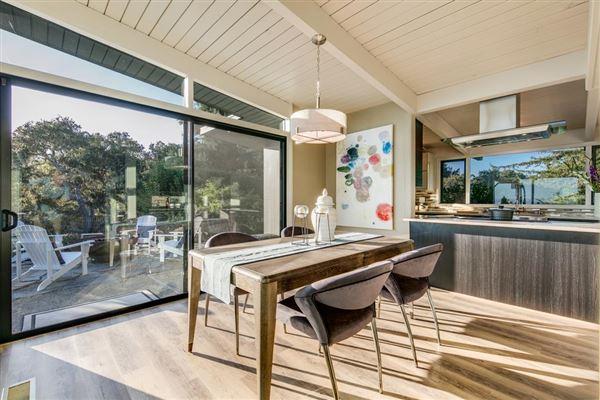 Luxury properties OCEANFRONT mid-century modern classic home
