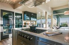 Mansions OCEANFRONT mid-century modern classic home