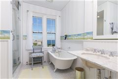 a Classic seaside home luxury homes