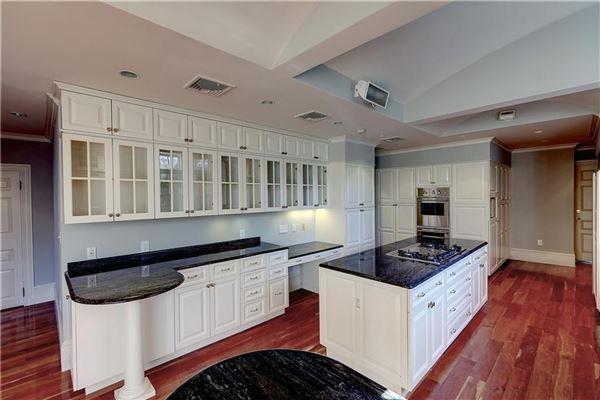 The Thomas L. Halsey House luxury properties