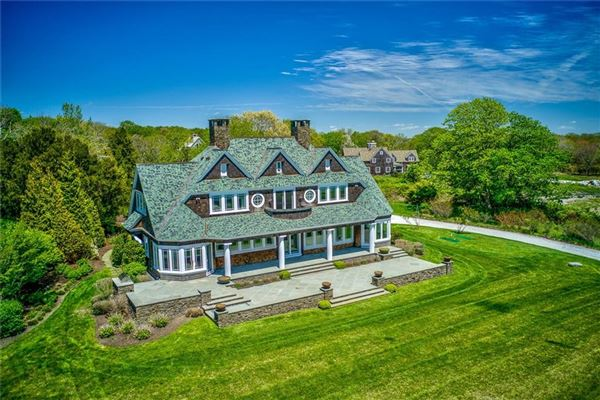 Luxury homes gorgeous home on two acres in exclusive Whale Rock