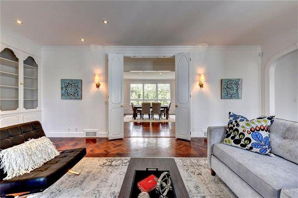 Luxury properties Contemporary home
