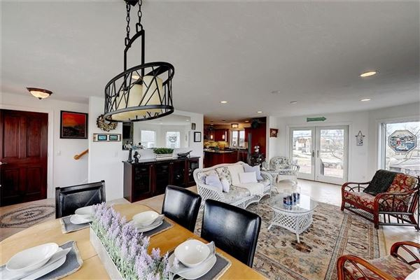newer HOME with spectacular views luxury properties