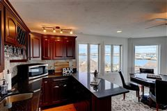 Mansions in newer HOME with spectacular views