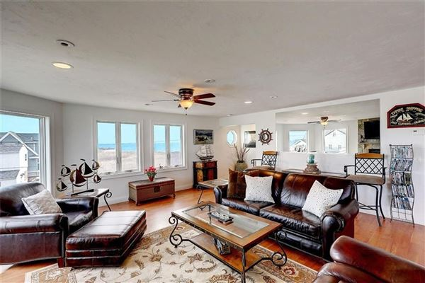 Luxury properties newer HOME with spectacular views