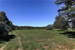 Mansions a 30+ acre parcel with some of the choicest views in town